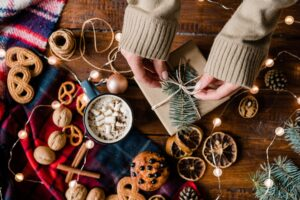 About The Mountain Man Lady - Preparing Food Gifts and Snacks
